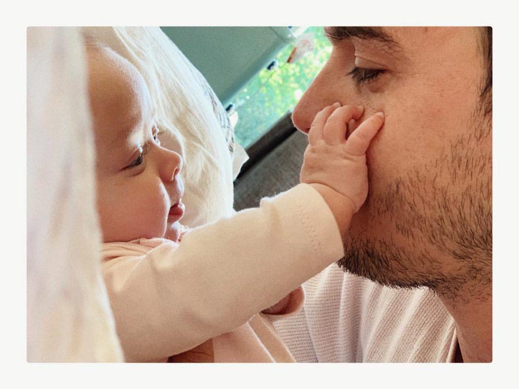 Benjamín Rojas mostró a su hija, ¡y son iguales! 2