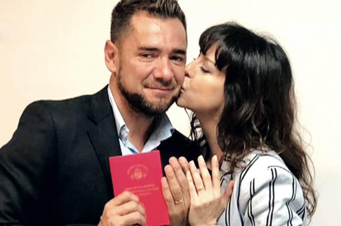 """Felizmente casada, Mercedes Funes afirma: """"Pronto quiero..."""" - Revista Paparazzi"""